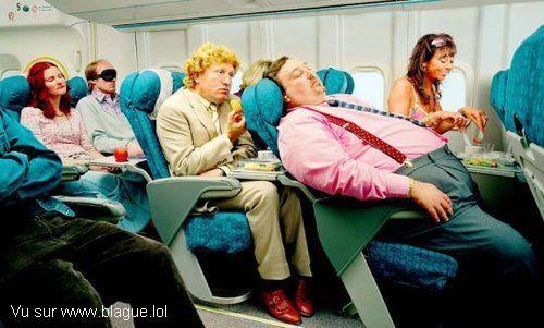 blague-divers-avion-homme-gros-prend-toute-la-place