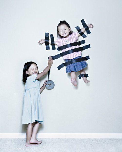 blague-divers-enfant-scotcher-au-mur