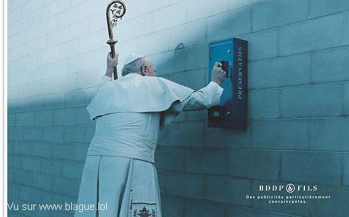 blague-divers-preservatif-pape