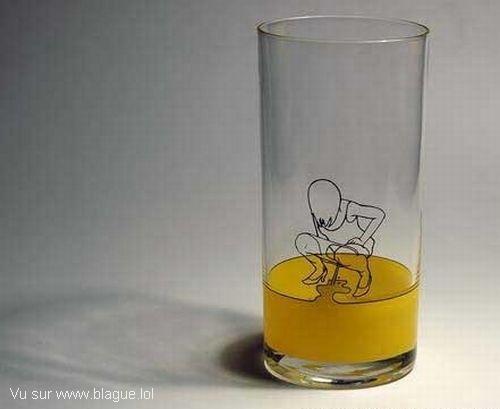 blague-divers-remplir-le-verre-urine