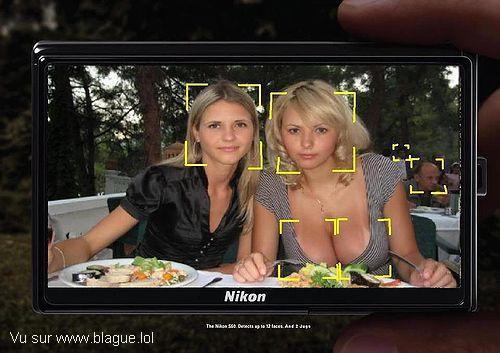 blague-femme-appareil-photo-montrant-seins