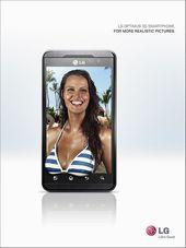 blague-femme-seins-en-3d-telephone