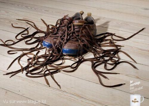 blague-marque-montagne-de-lacet-chaussure