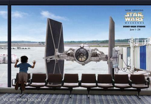 blague-starwars-tie-fighter-aeroport